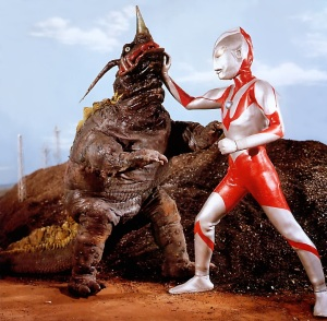 Ultraman fights Neronga. (Picture courtesy of http://ultra.wikia.com)